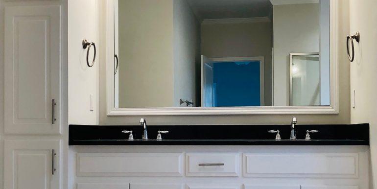 406 Ridgeland Master Bath